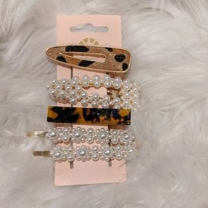 On Trend Hair Oversized Barrette/Clips NWT